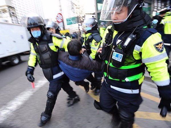 Du học sinh Hàn Quốc bỏ trốn đi làm thêm bị bắt