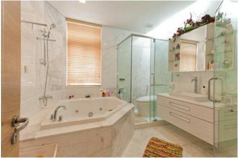 Tủ toilet sử dụng MFC chống ẩm màu trắng mà vẫn giữ được vẻ sang trọng quyến rũ