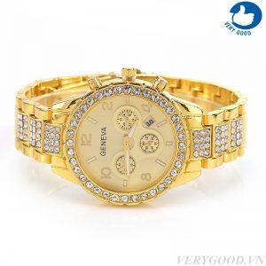 Đồng hồ mạ vàng, đính đá mang đến nét sang trọng, tinh tế cho người dùng