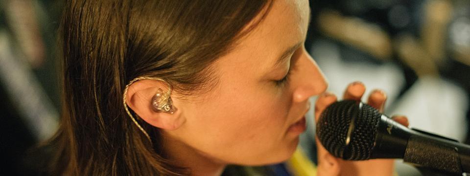 tai nghe in ear custom