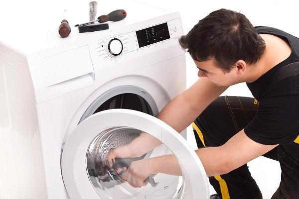 Sửa chữa máy giặt Panasonic với nhân viên có tay nghề cao.