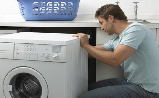 Người sử dụng cần kiểm tra máy giặt thường xuyên