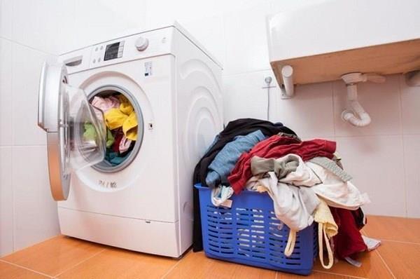 Không nên để các loại quần áo giặt chung với nhau