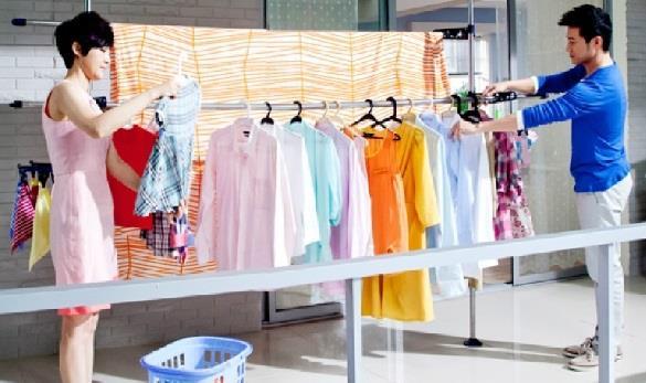 Phơi quần áo ngay sau khi giặt để tránh mùi hôi