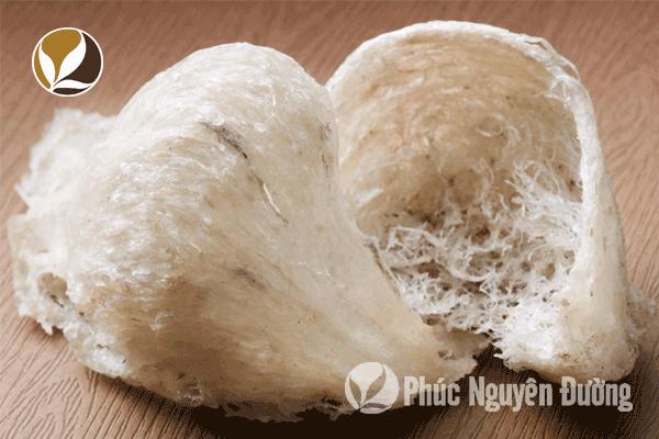 Yến sào chưng với táo đỏ cung cấp chất dinh dưỡng cho cơ thể