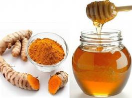 Đánh bay mụn nhờ mật ong và nghệ