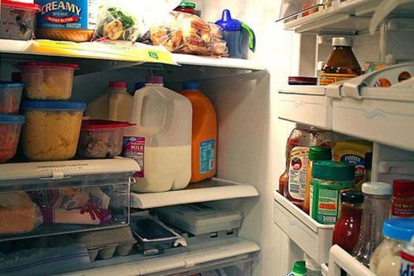 Vì sao tủ lạnh vẫn chạy nhưng không đông đá?