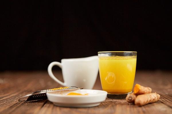Uống tinh bột nghệ với sữa ông thọ có thực sự hiệu quả?