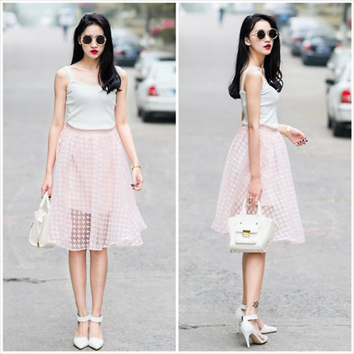 Váy xòe và giày cao gót